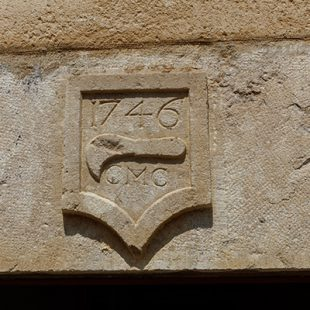 Détail d'une façade Place de la Comédie